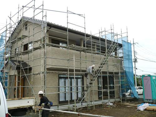 新築住宅に施工した足場の解体風景
